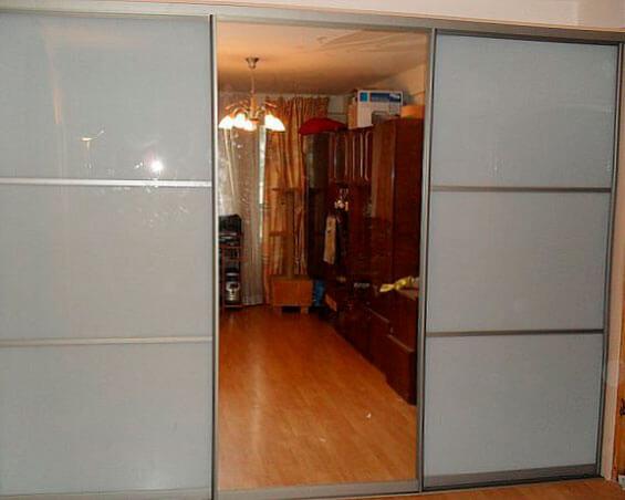 Шкаф-купе в гостиную 6