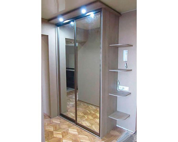 шкаф купе с зеркалом и подсветкой